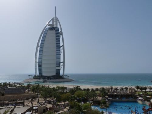 Emiratos Árabes Unidos.  Dubai, ¿el espacio globalizado por excelencia?